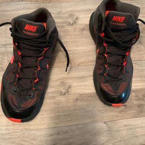"""MEN'S NIKE ZOOM """"WITHOUT A DOUBT"""" SIZE 7.5"""
